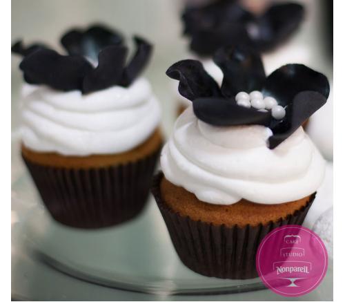 Капкейки Свадебные В черно-белых тонах