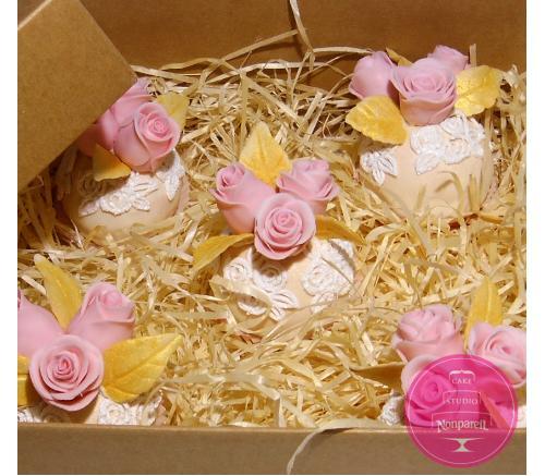 Пирожные Заказные Шары с розами