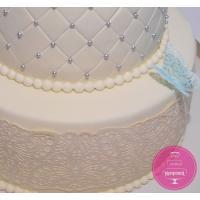 Торт Свадебный С бантом и кружевом