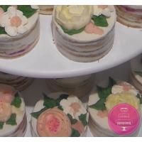 Торт Свадебный Пирожные с малазийскими цветами