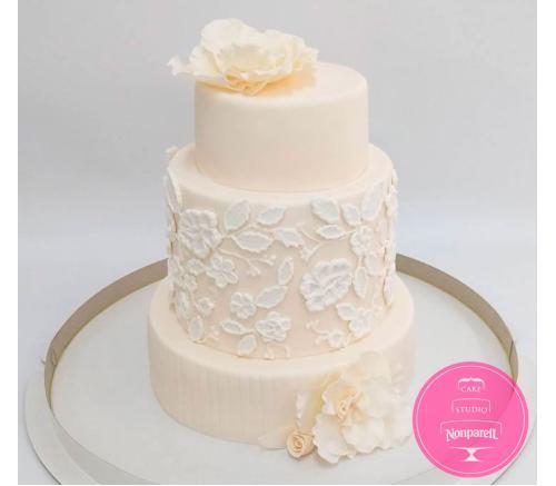 Торт Свадебный с Вензелями и розами