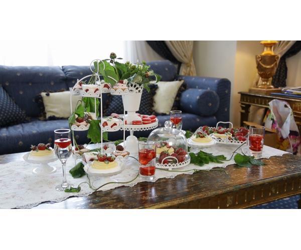 Свадебные десерты с клубникой