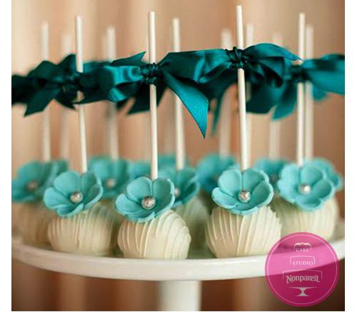 Кейк попс С голубыми цветами