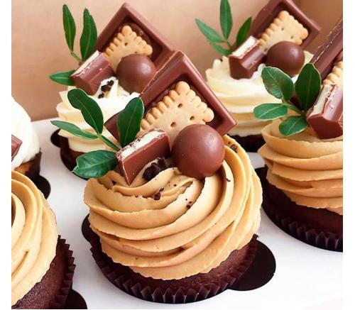 Капкейки Праздничные Шоколадные с конфетами