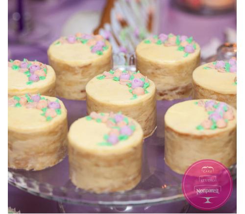 Пирожные Заказные Нежные цветы