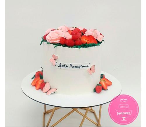 Торт Праздничный С ягодами и бабочками